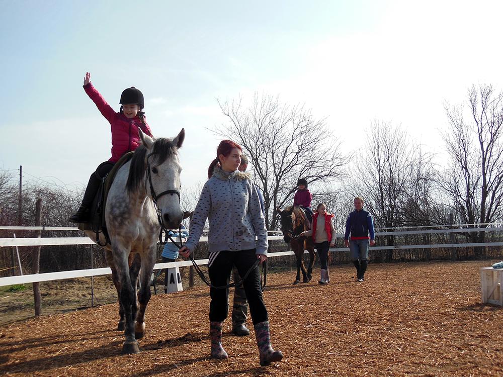 Kipróbáltuk a lovaglást -  am încercat călăritul