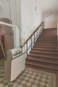Mozgássérült felvonó - Elevator persoane cu dizabilități